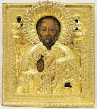 Старинная икона «Святой Николай Чудотворец» в серебряном окладе