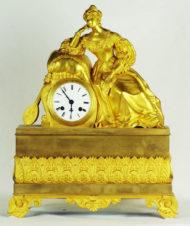 Часы каминные с боем «Дама с мандолиной»
