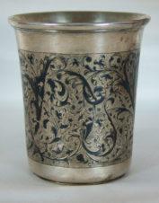 Стакан с лиственным декором и чернью
