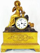 Cтаринные каминные часы с боем «Девушка с овечкой» в стиле ампир