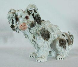 Фарфоровая статуэтка собаки породы Болонка
