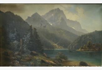 Горное озеро с елями