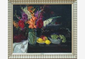 Натюрморт. Цветы и фрукты.