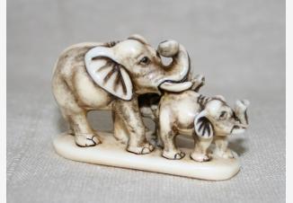 нэцке Три слоника