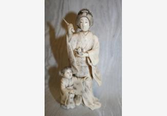 Окимоно Женщина с ребёнком
