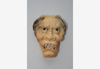нэцкэ «Маска демона Ханья»