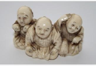 нэцке «Три японца»