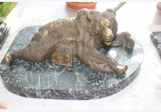 Бронзовая скульптура «Медведь»