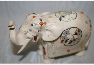 Фигурка слоника