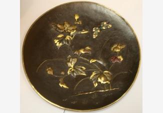 Тарелка настенная «Бабочка и цветы»