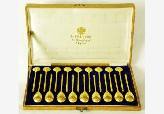 Серебряный набор десертных ложек 18 шт.