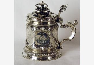 Серебряная пивная кружка в ренессансном стиле