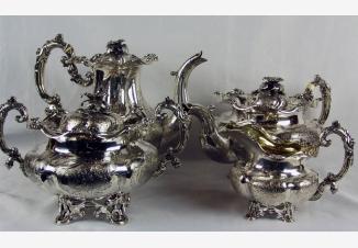 Серебряный чайно — кофейный сервиз из 4 предметов в стиле второго рококо