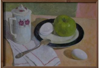 Натюрморт с зеленым яблоком