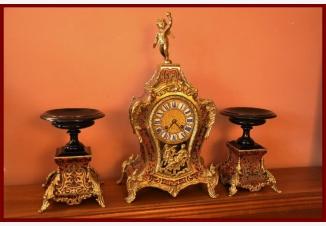Старинные часы в стиле Буля с двумя подставками
